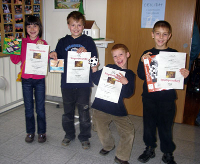 Die Bezirksmeister: Jasmin Gonser (U10w, Steisslingen), Jonas Bewer (U10, Geisingen), Finn Engesser (U8, Engen), Jonas Engesser (U12, Engen)